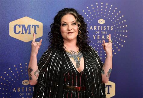 Story Behind the Song: Ashley McBryde, 'One Night Standards'