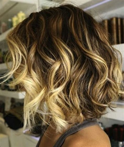 my next look ::: loose waves made with a big-barrel
